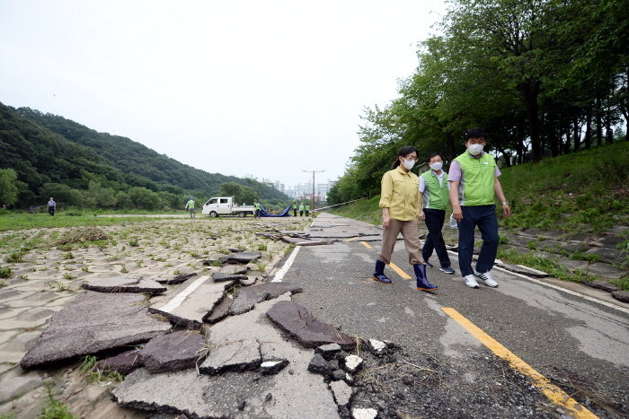 은수미 성남시장, 탄천 홍수 피해 상황 점검 ..