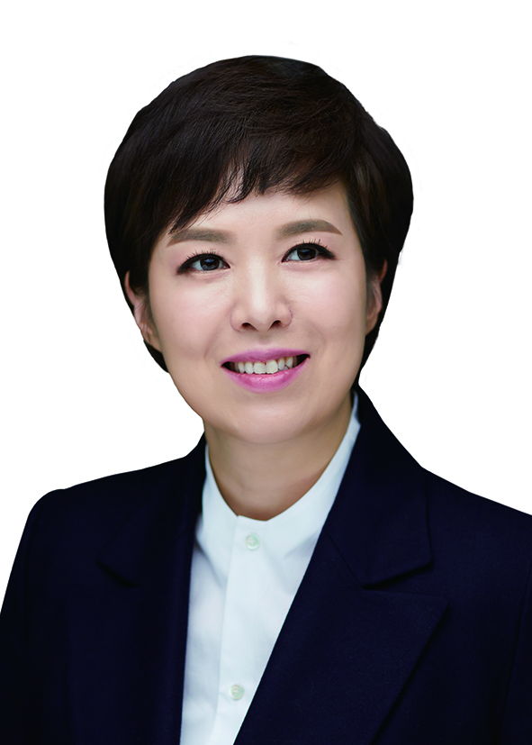 """'제2, 제3의 홍남기'국감장 뒤덮은 임대차3법 피해자 목소리 """"장관님 어떻게 그 자리에"""