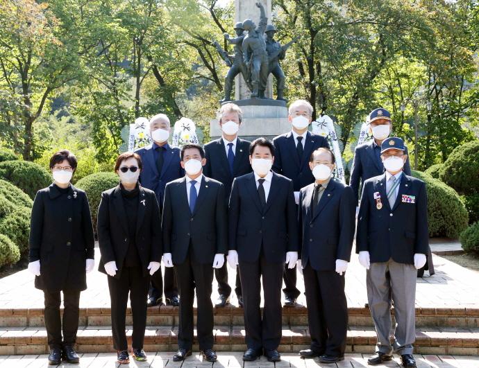 백군기 용인시장, 터키군 참전기념비 참배